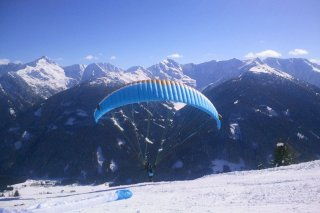 11paragleiten_obertilliach_winter.jpg